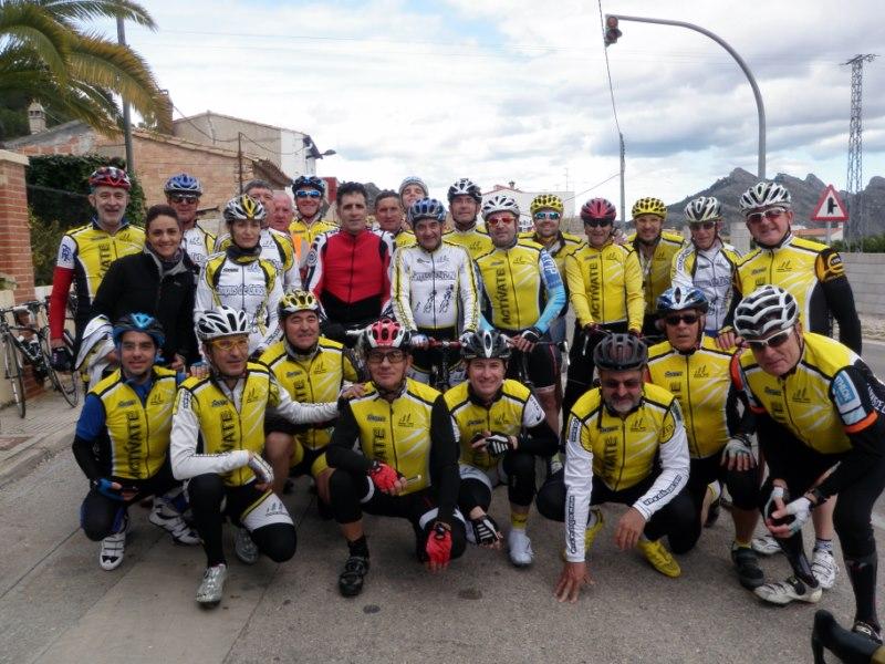 Miguel Indurain se sumó a la ruta del segundo día y se hizo esta foto y unos km con el grupo 4 y 5