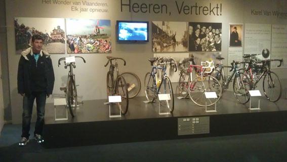 Bicis de distintas épocas que han ganado el Tour Flandes